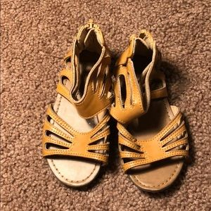 Cherokee toddler sandals us 7